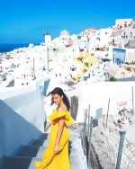 She's only happy in the sun | Oia, Santorini, Greece